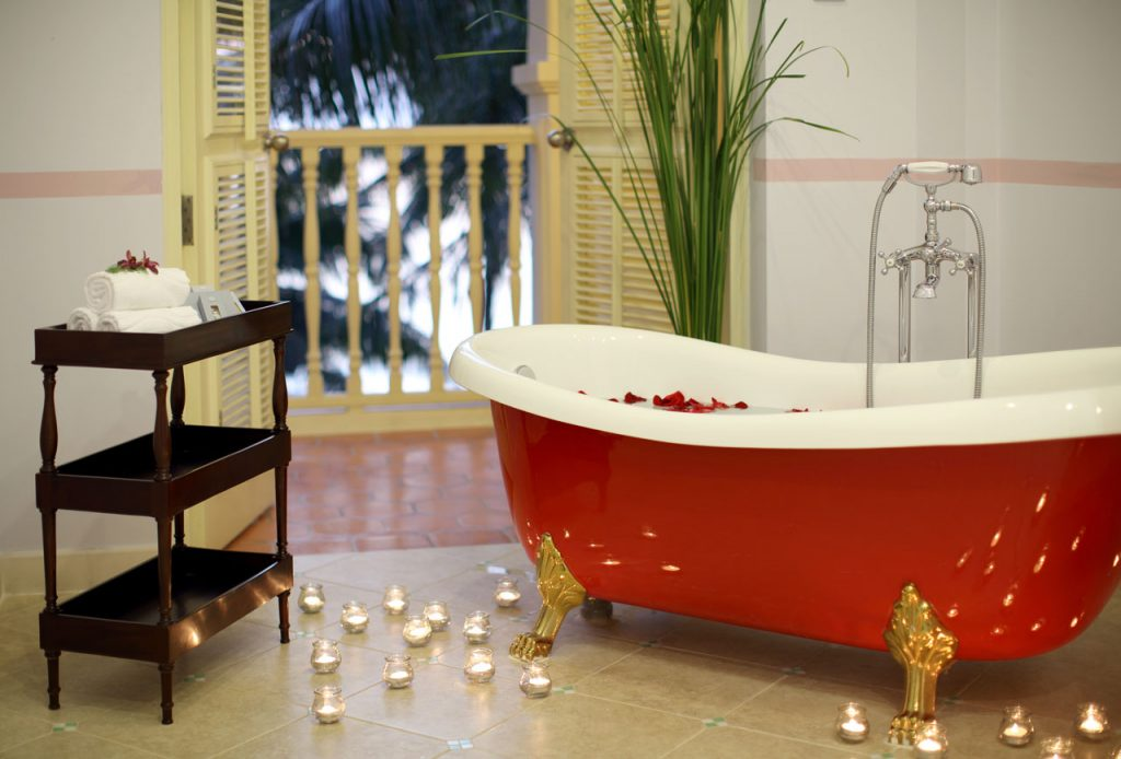 La-Veranda-Memorable-Premier-Ocean-Bath-Tub-2
